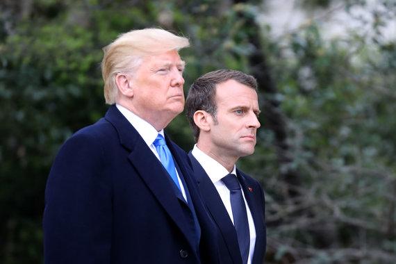 """AFP/""""Scanpix"""" nuotr./Prancūzijos prezidentas Emmanuelis Macronas ir Donaldas Trumpas"""