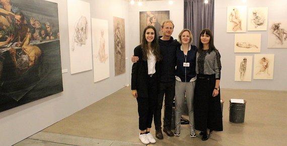 Lilijos Valatkienės nuotr./Ugnė Žilytė kartu su tapytoju Pauliumi Juška buvo pakviesta dalyvauti meno mugėje Art Vilnius 2017