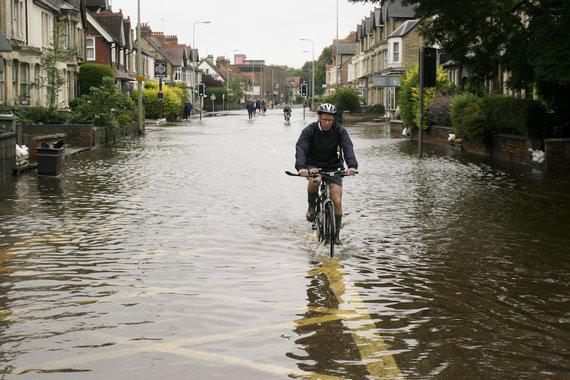 Flickr.com/Meteorologai įspėja apie Jungtinei Karalystei gręsiantį potvynį.