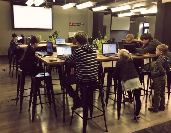 Organizatorių nuotr./Programavimo pagrindų pamokos