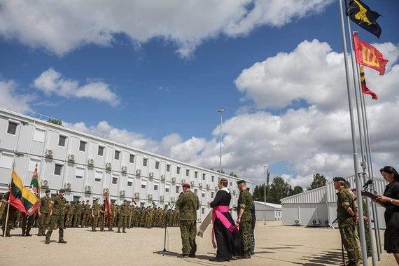 Lauros Jokšaitės nuotr./Artilerijos bataliono Pajūryje atidarymo akimirka