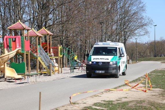 Kauno apskrities policijos nuotr./Policijos pareigūnai karantino metu