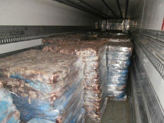 Kauno teritorinės muitinės nuotr./Konfiskuota kontrabandinė mėsa, skirta Kaliningrado srities rinkai