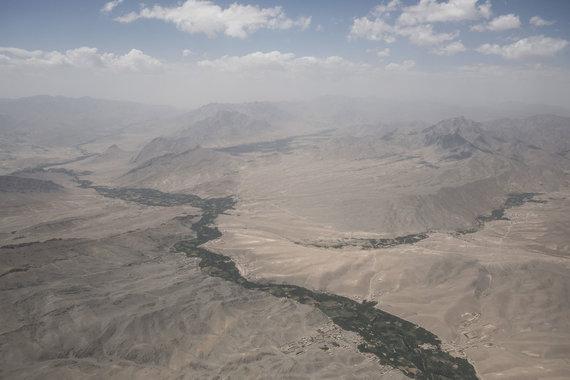 Joël van Houdt nuotr./Afganistanas pro lėktuvo langą