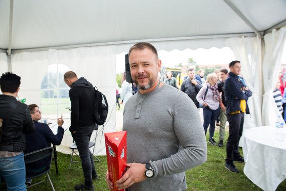 """Mariaus Vizbaro / 15min nuotr./Aukcionas """"Laisvės piknike"""""""