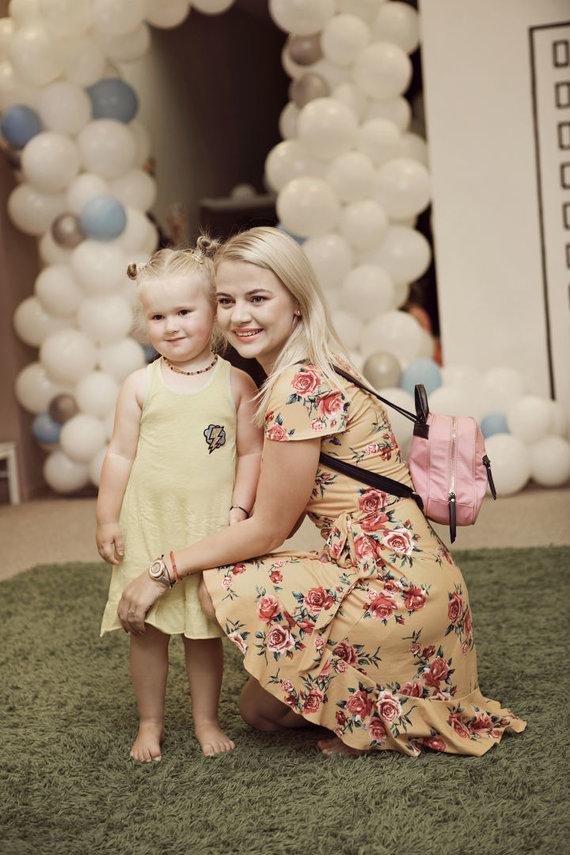Akvilės Razauskienės nuotr./Renata Jampolskė su dukra