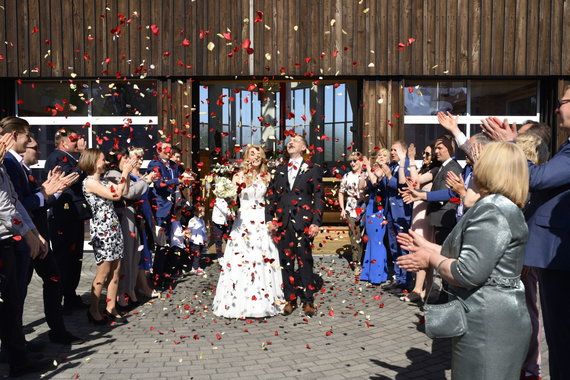 Algirdo Kubaičio/15min nuotr./Tomo Beržinsko ir Natalijos Kondrotienės vestuvių akimirka
