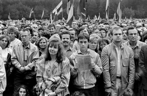 Vytauto Daraškevičiaus nuotr. /Petras Narijauskas 1988 m. rugpjūčio 23 d. Sąjūdžio mitinge Vingio parke