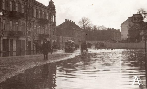 Fotografija iš www.archivesofculture.com /Apsemtas Vilnius