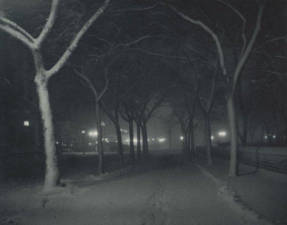 """Niujorko modernaus meno muziejaus nuotr./Josepho Stieglitzo nuotrauka """"Šalta naktis"""""""