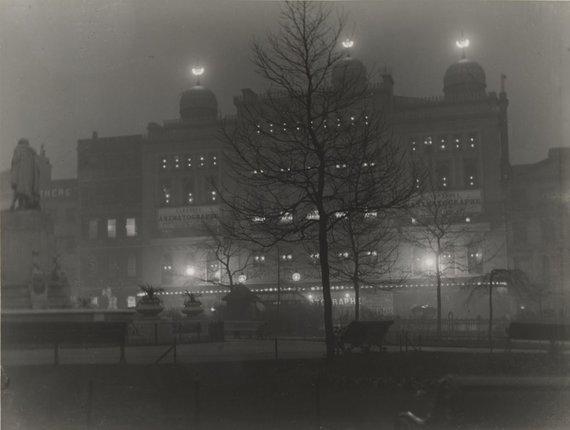 Niujorko modernaus meno muziejaus nuotr./Naktinis Londonas