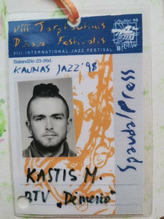 """Asmeninio archyvo nuotr./K.Minkausko žurnalisto leidimas dirbti """"Kaunas Jazz"""" festivalyje 1998 m."""