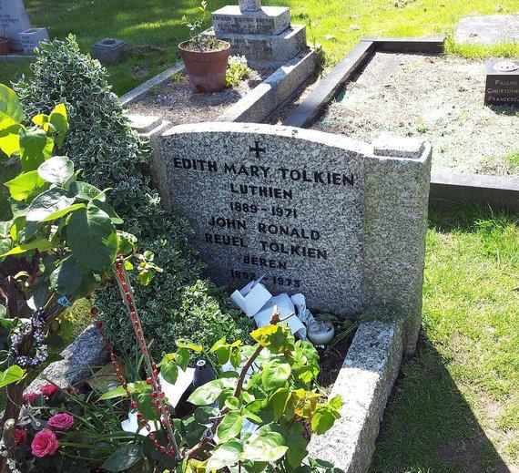 J.R.R.Tolkieno ir jo žmonos Edith kapas