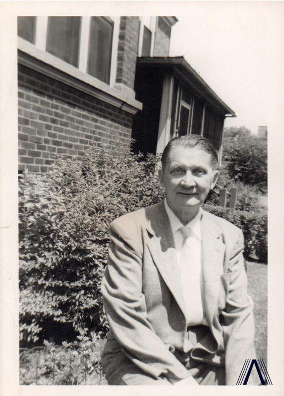 archivesofculture.com nuotr./Kleopas Jurgelionis 1955 m.