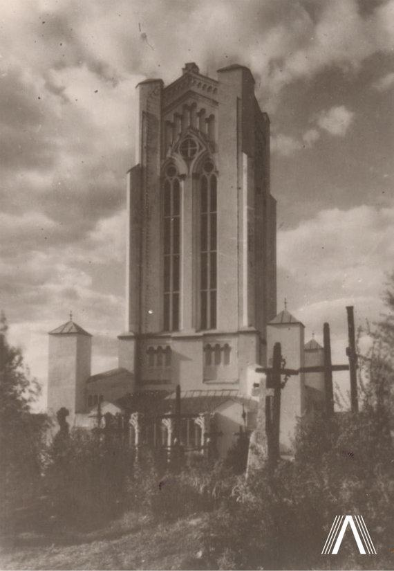 archivesofculture.com nuotr./Šiluvos Švč. Mergelės Marijos Apsireiškimo koplyčia (architektas A. Vivulskis) 1922 m. daryta nuotrauka