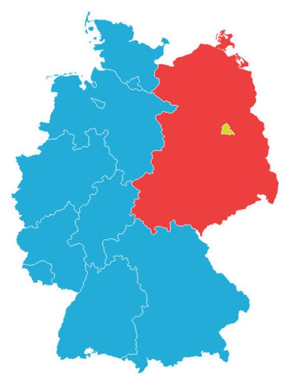 Wikimedia Commons nuotr. / CC BY-SA 3.0/Vakarų ir Rytų Vokietijos 1961 m. (Vakarų Vokietija - mėlyna, Rytų Vokietija - raudona, Vakarų Berlynas - geltonas)