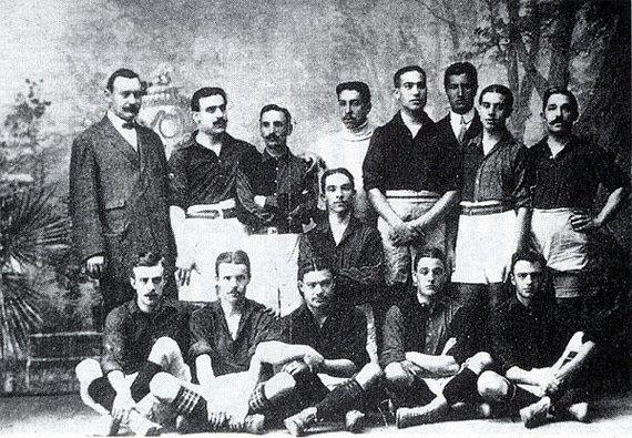 "Wikimedia Commons nuotr./""Barcelona"" komanda 1910 m."