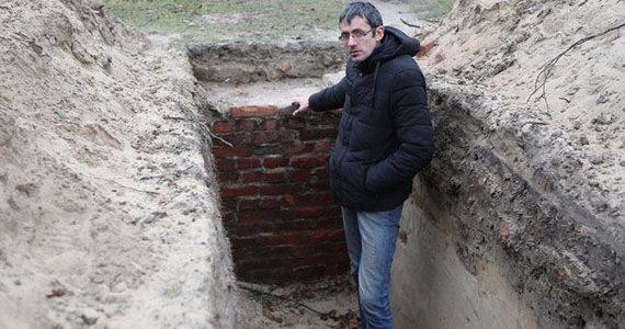 Egidijaus Jankausko nuotr. /Archeologas Marius Mockus vietoje, kurioje aptikti radiniai