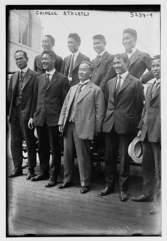 JAV Kongreso bibliotekos nuotr. /Japonijos sportininkai 1920 m., olimpinėse žaidynėse, S.Kanaguri - dešinėje pusėje viršutinėje eilėje