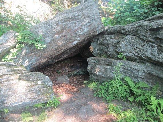Wikimedia Commons nuotr./Vienas iš urvų, kur apsistodavo Odininkas