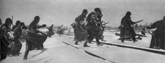 Wikimedia Commons / Public Domain nuotr./Suomiai kerta Murmansko geležinkelį