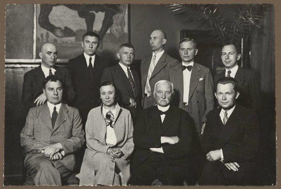 M.K.Čiurlionio dailės muziejaus nuotr./Magdalena Avietėnaitė vyrų draugijoje