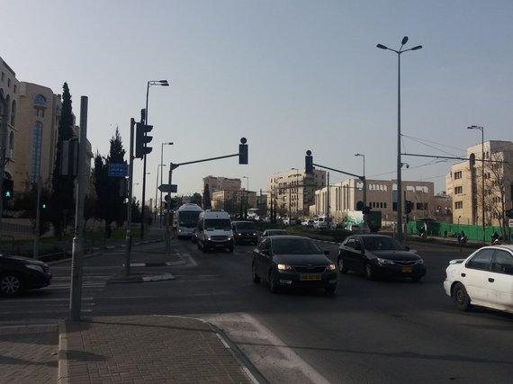 Ugniaus Antanavičiaus nuotr. /Gatvė, einanti senąja vakarų ir rytų Jeruzalės riba