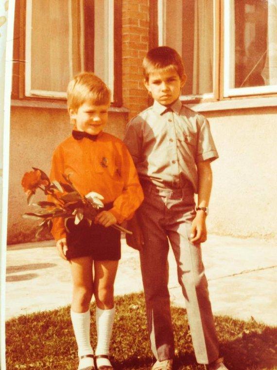 Asmeninio albumo nuotr./Jonas Nainys (kairėje) ir Modestas Nainys vaikystėje