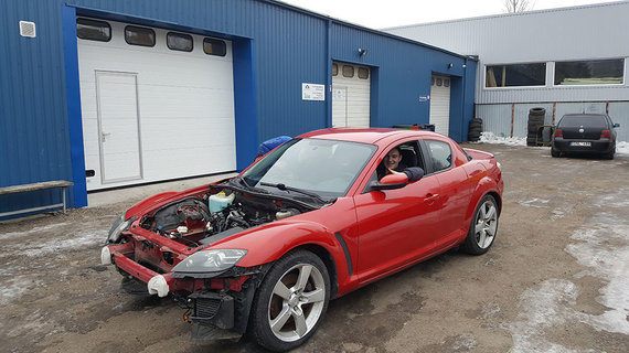 "KTK nuotr./Elektra varomas ""Mazda RX-8"""