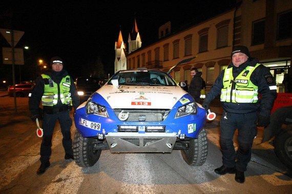 """Komandos nuotr./""""Vaidota Racing Team"""" prieš startą"""