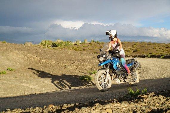 2wheeledadventures.com nuotr./Lino ir Astos kelionės akimirka