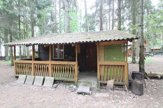 Alvydo Januševičiaus / 15min nuotr./Poilsio namukai prie Plinkšių ežero