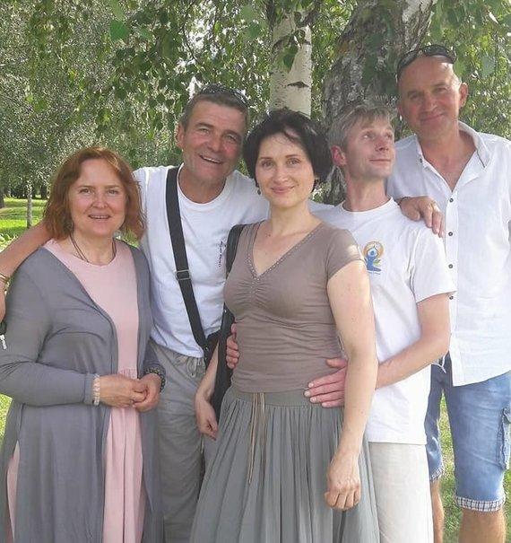Romas Burkus su draugais