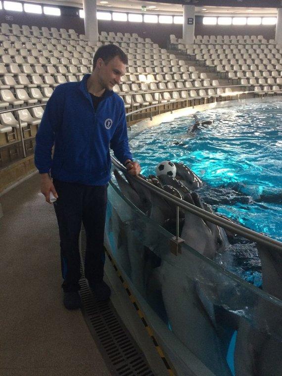 M.Karanausko nuotr./Delfinų treneris Mindaugas Lukošius