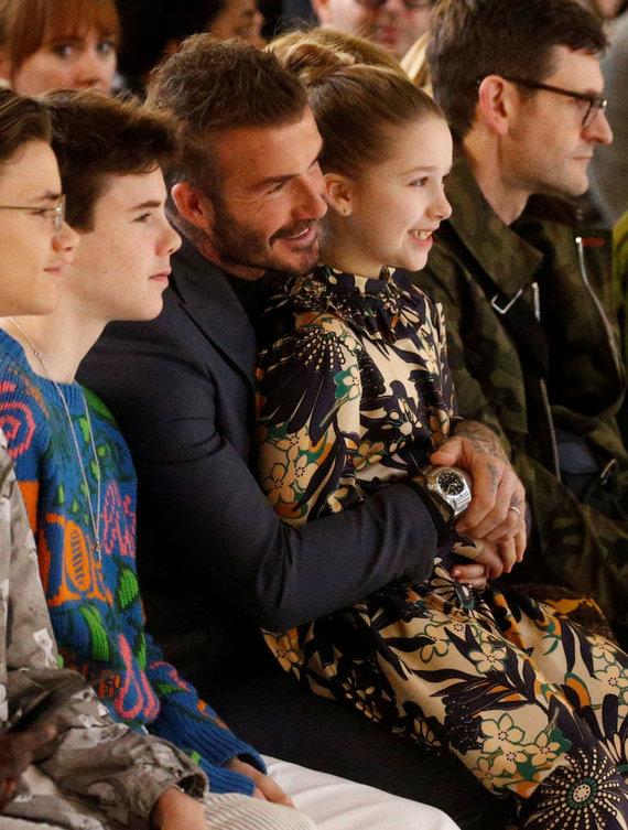 """""""Reuters""""/""""Scanpix"""" nuotr./Davidas Beckhamas su vaikais – Romeo, Cruzu ir Harper."""