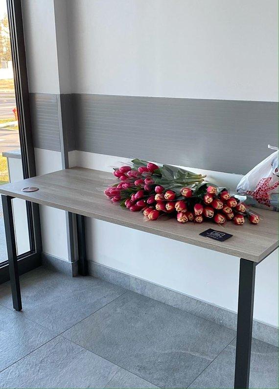Organizatorių nuotr./Gėlės medikams