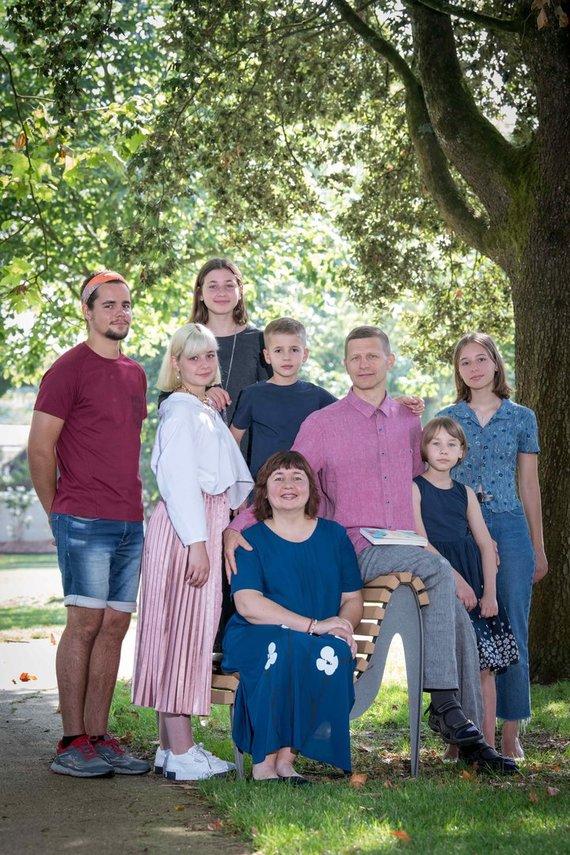 Asmeninio archyvo nuotr. /Aurima Dilienė su šeima