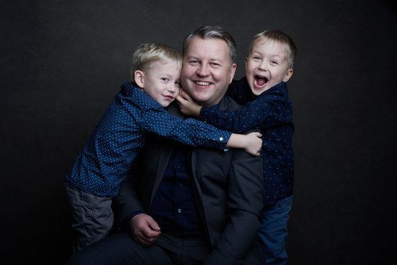 Žanetos Pau nuotr./Vyras Andrius su sūnumis.