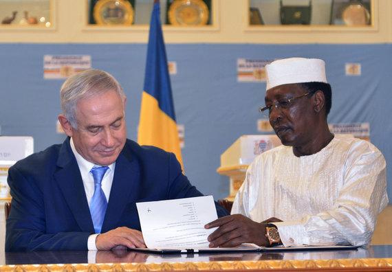 "AFP/""Scanpix"" nuotr./B.Netanyahu Čade su šios šalies prezidentu Idrissu Deby Itno"