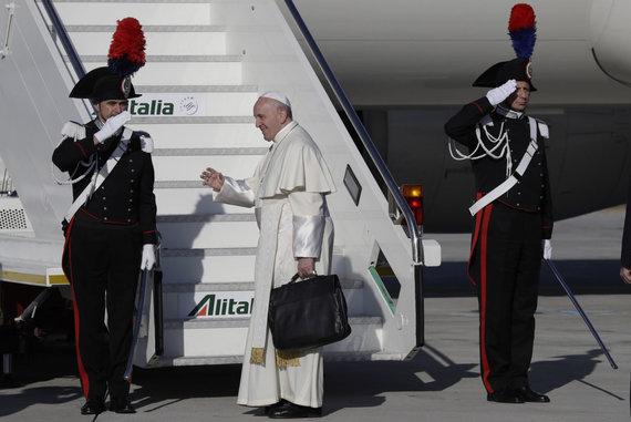 """""""Scanpix""""/AP nuotr./Popiežius Pranciškus atvyko į Rumuniją"""