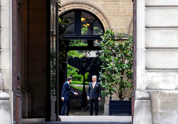 """""""Reuters""""/""""Scanpix"""" nuotr./T.Van Griekeno ir Belgijos karaliaus Philippe'o susitikimas"""