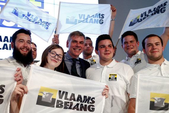 """""""Reuters""""/""""Scanpix"""" nuotr./""""Vlaams Belang"""" rinkėjai"""