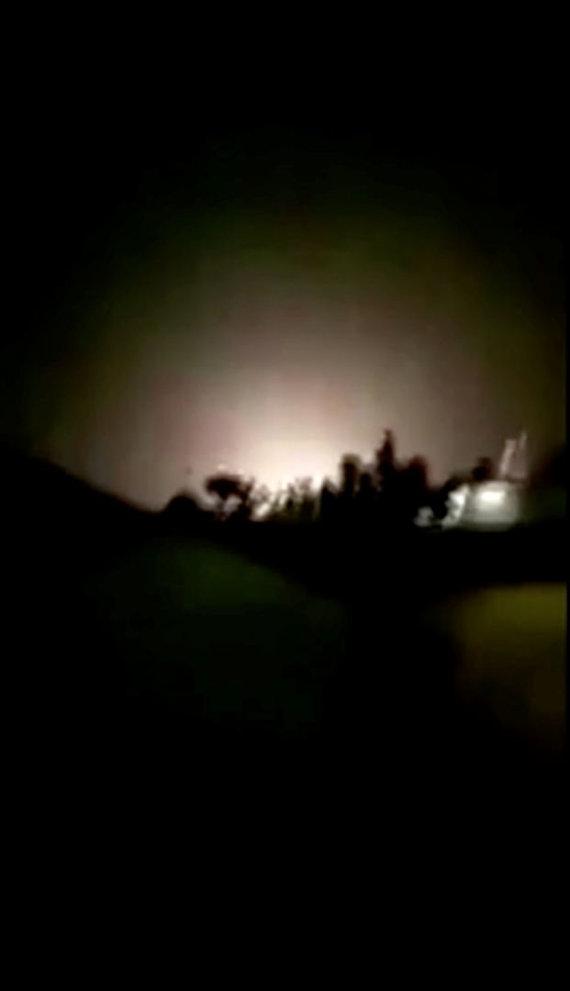 """""""Reuters""""/""""Scanpix"""" nuotr./Į vieną bazių paleista raketa"""