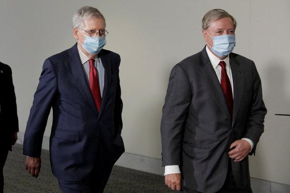 """Reuters""/""Scanpix"" nuotr./Lindsey Grahamas ir Mitchas McConnellas"