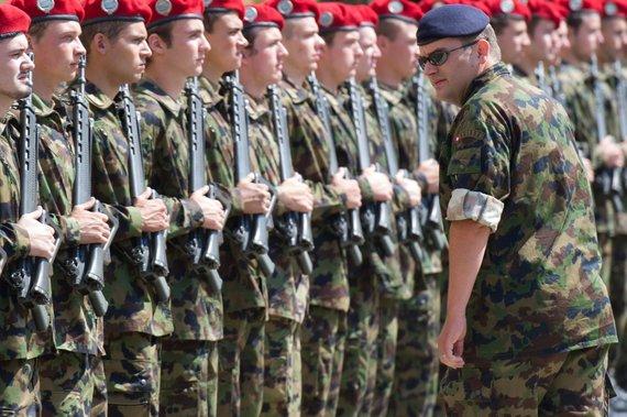 """AFP/""""Scanpix"""" nuotr./Šveicarijos kariai"""