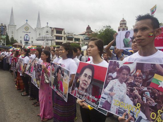 """Scanpix""/AP nuotr./Aung San Suu Kyi gerbėjai"