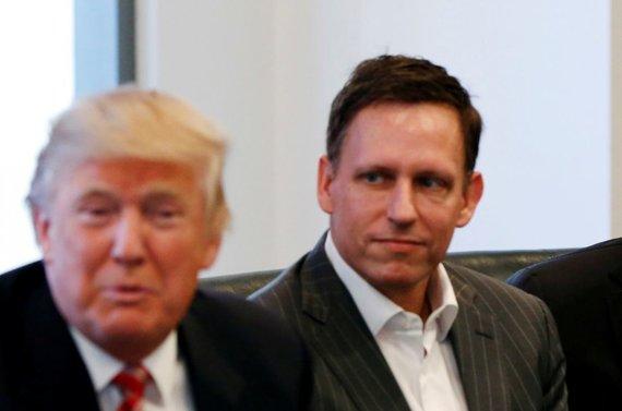 """""""Reuters""""/""""Scanpix"""" nuotr./Donaldas Trumpas ir Peteris Thielis"""