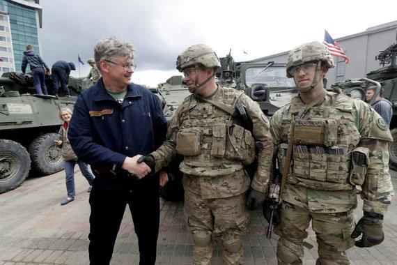 """""""Reuters""""/""""Scanpix"""" nuotr./JAV kariai Daugpilyje"""