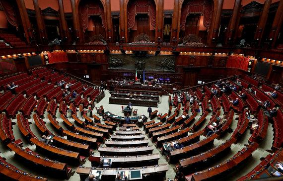 """""""Reuters""""/""""Scanpix"""" nuotr./Italijos parlamento žemieji rūmai"""