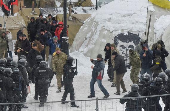 """""""Reuters""""/""""Scanpix"""" nuotr./Kijeve per protestą prieš korupciją sužeisti 8 policininkai"""